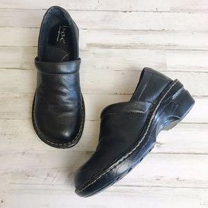 B.O.C.   Born Black Leather Peggy Clogs 8.5